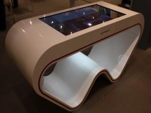 Столик с интерактивной столешницей