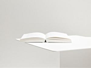 Письменные столы фирмы Oato: тончайшие детали и оригинальная