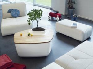 Yois Design представлен многофункциональный, облегченный столик