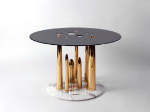 Эксцентричные люди получили собственный столик
