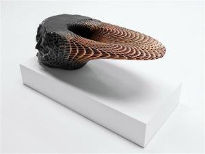 Стол-скульптура ― результат неимоверной фантазии дизайнера